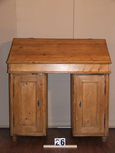 Méretek:126x134x55 Régi fenyő szekrény,írópult,méh viaszolt
