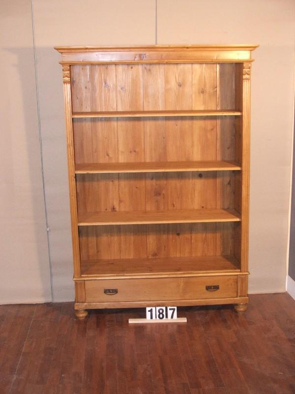 Méretek:128x185x42 Régi szekrényből átalakított könyvespolc,fiókkal,méhviaszolt