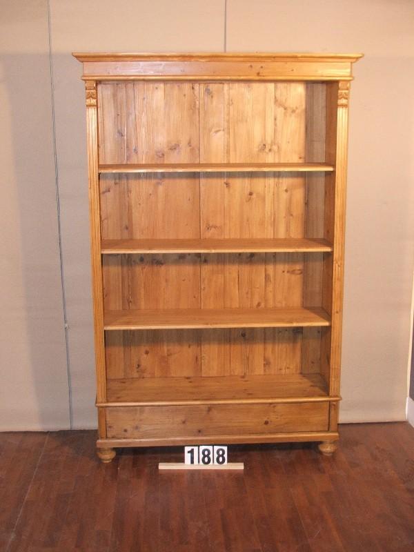Méretek:124,5x190x41 Régi fenyő szekrényből átalakított könyvespolc,fiókkal,méh viasszal felület kezelve