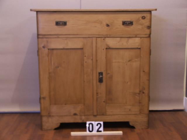Méretek:98x98x42 Régi fenyő kis szekrény,fiókos szekrény,méh viaszolt