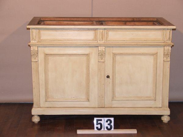 Méretek:100x71,5x40 festett,antikolt,márvány lap nélkül,régi fenyő kis szekrény
