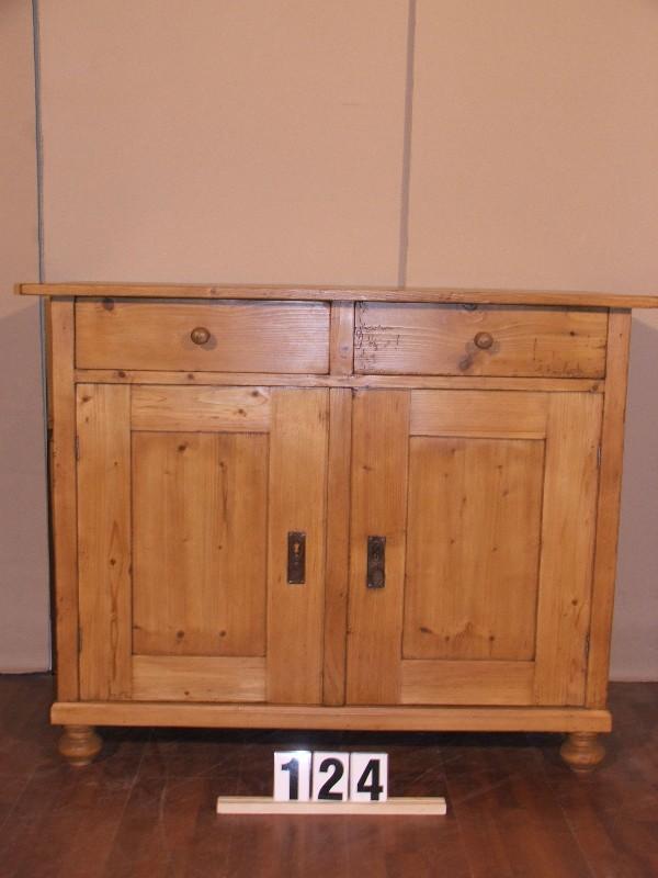 Méretek:114x91x60,5 Régi fenyő kis szekrény,fiókos szekrény,méh viaszolt