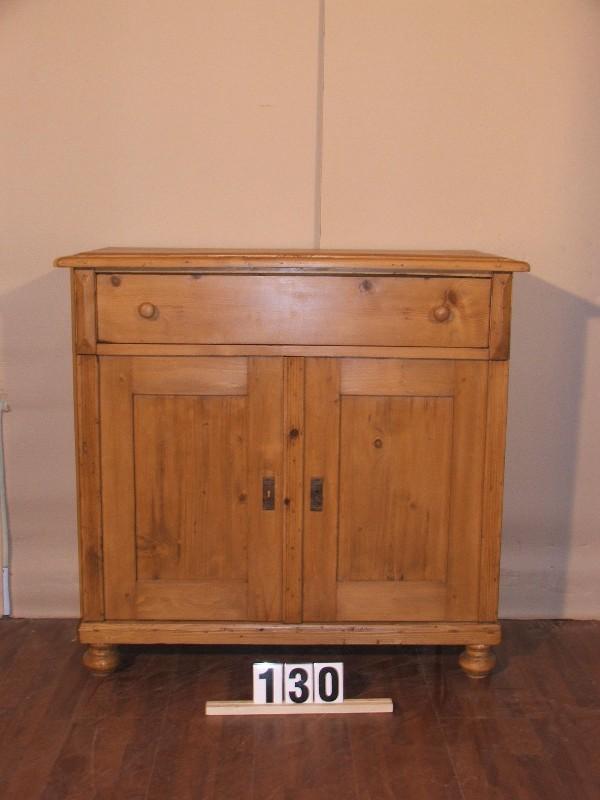 Méretek:100x97,5x44 Régi fenyő kis szekrény,fiókos szekrény,méh viaszolt