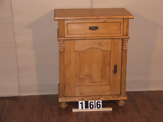Méretek:7x96x45 Régi fenyő kis szekrény,fiókos szekrény,méh viaszolt