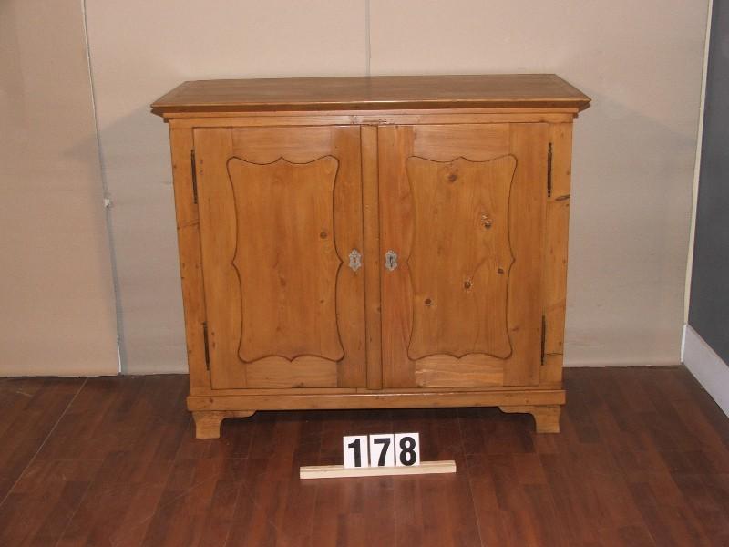 Régi fenyő kis szekrény,Bieder szekrény,méh viaszolt