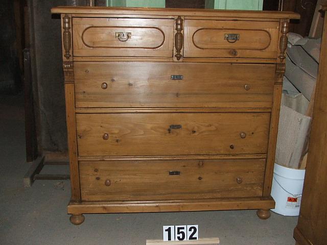 Méretek:127x124x58,5 Régi fenyő szekrény,fiókos szekrény,komód,méh viaszolt