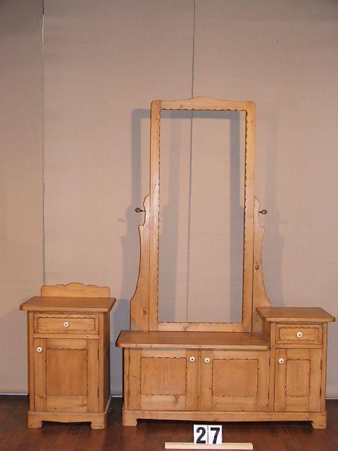 Méretek.108/44x170/69x33/34 Régi fenyő kis szekrény,fiókos szekrény,tükrös szekrény,előszoba garnitúra,méh viaszolt